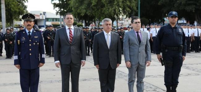 *Comandante de la Tercera Región Militar encabeza celebración del 105 aniversario del Ejército Mexicano*