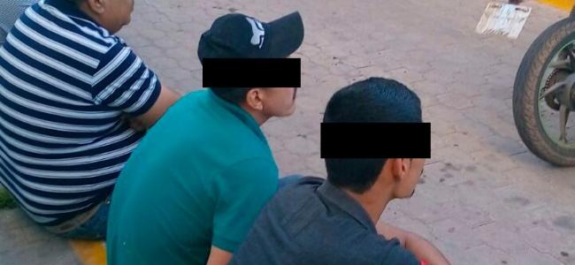 Detienen agentes de la Policía Municipal de Ahome y Policía Militar a cuatro sujetos con drogas, armas y una motocicleta