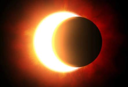 Ver eclipse solar directamente ocasiona daños a la vista