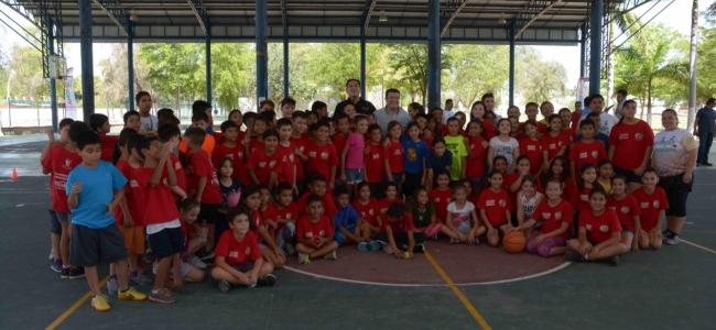 Visita el Alcalde Álvaro Ruelas Campamento de Verano del IMDA en Cd. Deportiva Aurelio Rodríguez de Los Mochis.