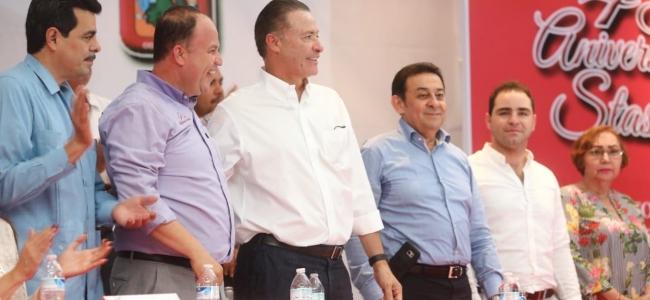 Convive Quirino Ordaz con trabajadores afiliados al Stasac