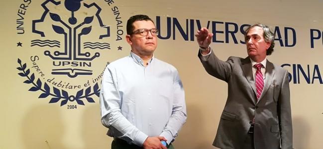 El Dr. Alfredo Román Messina rindió protesta como rector de la Upsin