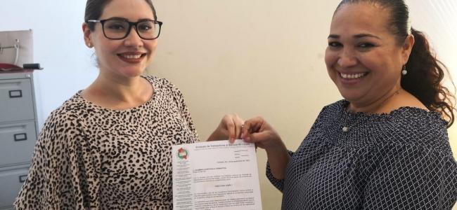 Hacen entrega de la Constancia a la Lic. Paula Samantha Guzmán León como nueva Directora del CENDI #3 Los Mochis
