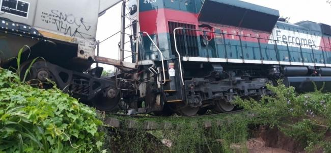 Se descarrila tren carguero ruta Guadalajara - Nogales por deslaves en las vías.