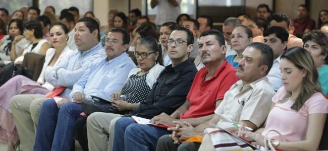 Presidentes municipales electos y sus gabinetes reciben capacitación